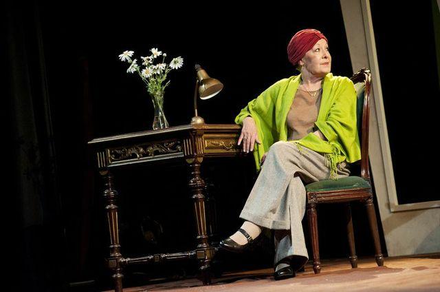 Dogstar Theatre The Baroness Roberta Taylor (Karen Blixen (Isak Dinesen) Photo credit Leila Angus