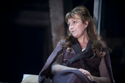 Blythe Duff (Isabella Stewart) in James I_& II Photo Tommy Ga-Ken Wan